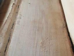 Доска необрезная дуба европейского свежепильная, 32-52мм. ..