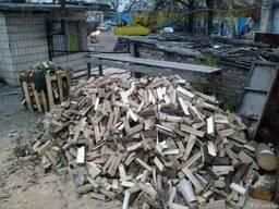 Дрова дубовые колотые доставка Киев.