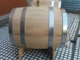 Деревянные бочки для вин, виски и коньяков.