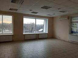 Два торговых помещения 51 кв. на 2 этаже 3-х этажного здания магазина Центр