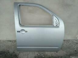 Дверь передняя правая 80100-EB330 на Nissan Pathfinder 05-12