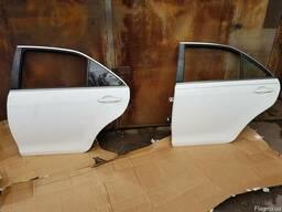 Дверь задняя левая Toyota Camry 40 код 6700433160