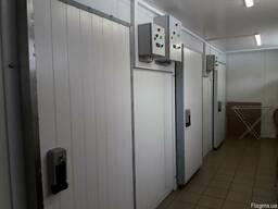 Двери для холодильных камер из сендвич панелей.