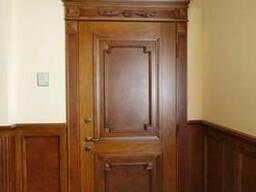 Двери классические деревянные