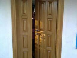 Двери входная деревянная из массива дерева (сосна. ..