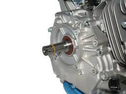 Двигатель бензиновый GrunWelt GW460F-S (18 л. с. , шпонка)