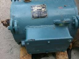 Двигатель МАП421-6 Д02 (лапы)