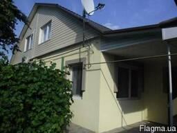 Двухэтажный дом на Юровке с ремонтом.