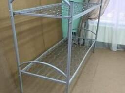 Двухьяруснные металлические кровати.