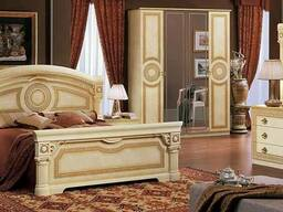 Экономичная итальянская спальня Aida выполнена в мягких тона