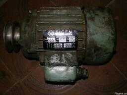Эл.двигатель асинхроный 0.25квт1400об.мин