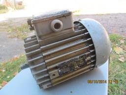 Электродвигатель 4АА56. А2У3 0, 1кВт 2760об/мин