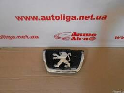 Эмблема в передний бампер Peugeot 407 04-11р.