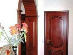 Евро двери из натурального дерева.