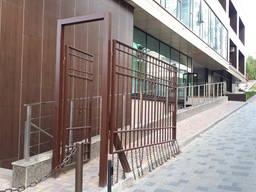 Двери из метала