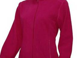 Женская флисовая кофта, малинового цвета.
