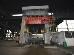Гидравлический пресс wagnet 2800 тонн для днища резервуара.
