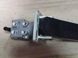 Гальмівний кран Neoplan MB 4613170240 в зборі головний ( педаль )