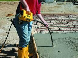 Глубинный вибратор для бетона аренда - фото 2