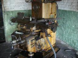 Горизонтально-фрезерный консольный станок 6Р81