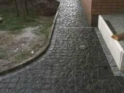 Тротуарна плитка сірого кольору