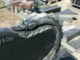 Гранитный памятник ручной работы. - фото 3