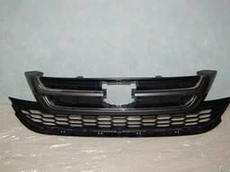 Honda CR-V решетка радиатора из 2 частей