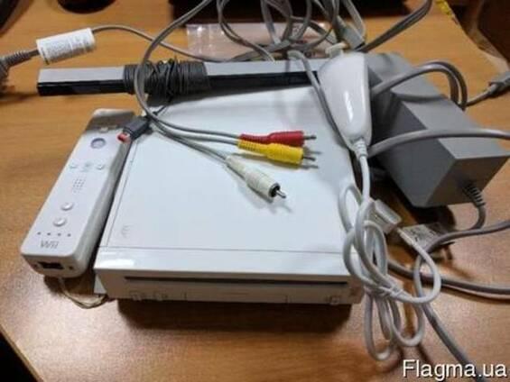 Игровая приставка! Nintendo WII (прошитая)
