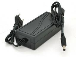 Импульсный адаптер питания 12В 7А (84Вт) штекер 5.5/2.5 + кабель питания, длина 1,20м Q100