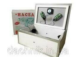 Инкубатор бытовой Наседка ИБ-70 с автоматическим переворотом и цифровым терморегулятором