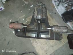Инструмент для проверки биения