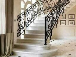 Изготовление и монтаж лестниц из натурального камня