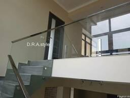 Изготовление стеклянного ограждения под заказ