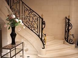 Изысканные лестницы из мрамора и гранита