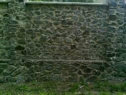 Кварцит, гранит камень бут красный, серый с доставкой