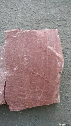 Камінь сірий, червоний граніт, рожевий кварцит