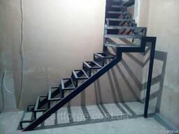 Каркас лестницы г-образный КЛ-105