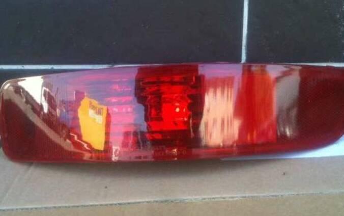 Катафот в задний бампер Mitsubishi Outlander XL Митсубиси