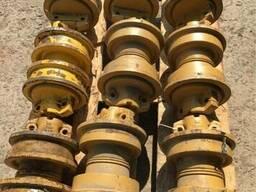 Каток опорный 14X-30-00081 на Komatsu D60-D85 и Shantui SD16