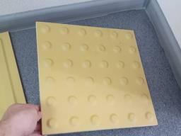 Керамогранитная тактильная плитка 300х300х10 конус