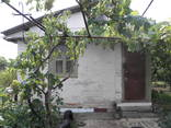 Кирпичный дом на участке 9 соток с садом в 4км от телевышки - фото 1