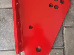 KK083661 Пластина крепления стойки правая (нижняя) на плуг