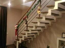 Ступени под классические лестницы в дом из массива дерева