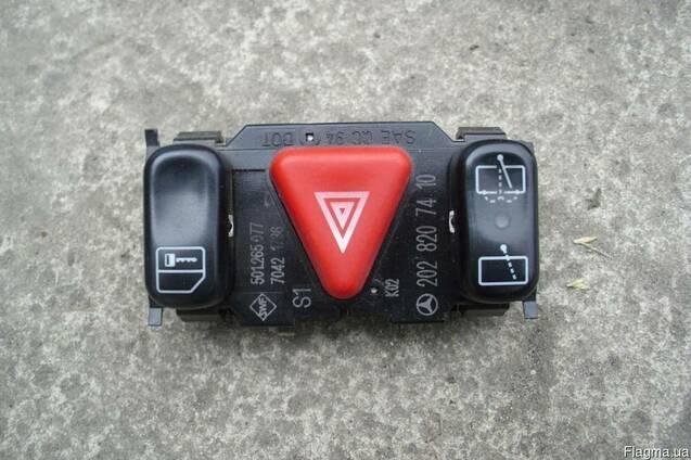 Кнопка аварийной сигнализации Mercedes W(S) 202 C-klass (199
