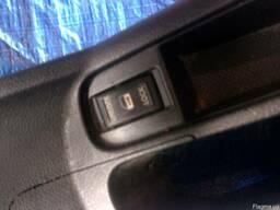 Кнопки стеклоподъемника 25210-9U00A на Nissan Note 06-13 (Ни