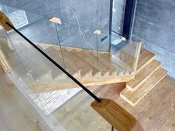 Комбинированные лестницы из дерева, металла, фанеры.
