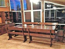Комплект мебели из натурального дерева для ресторана. ..