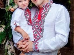 Комплект вишиванок для батька і сина з білого льону з червоно-чорною вишивкою