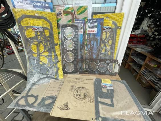 Комплекты прокладок на трактора и комбайны