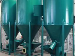 Кормозмішувач / Кормосмеситель / feed mixer